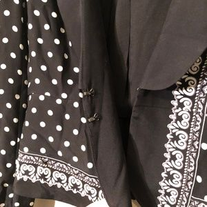 White House Black Market Jackets & Coats - White House Black Market | 100% Silk Blazer Sz 6